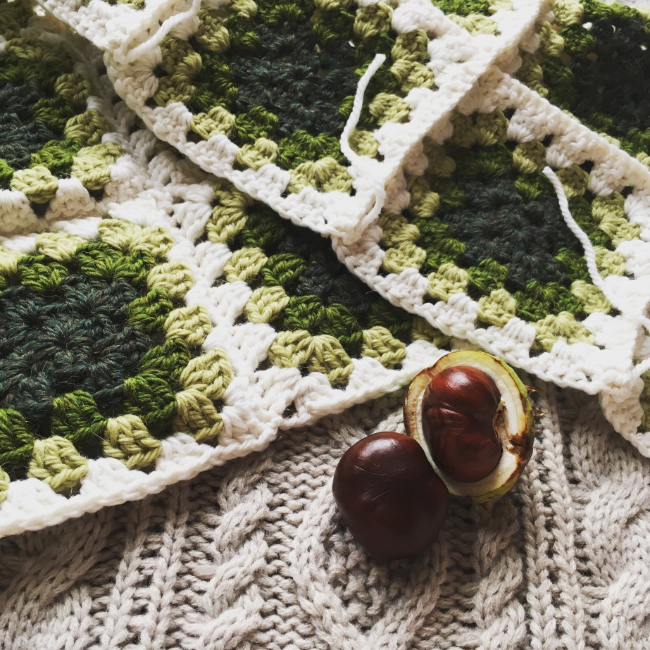 Making of: Granny Squares Winter Set