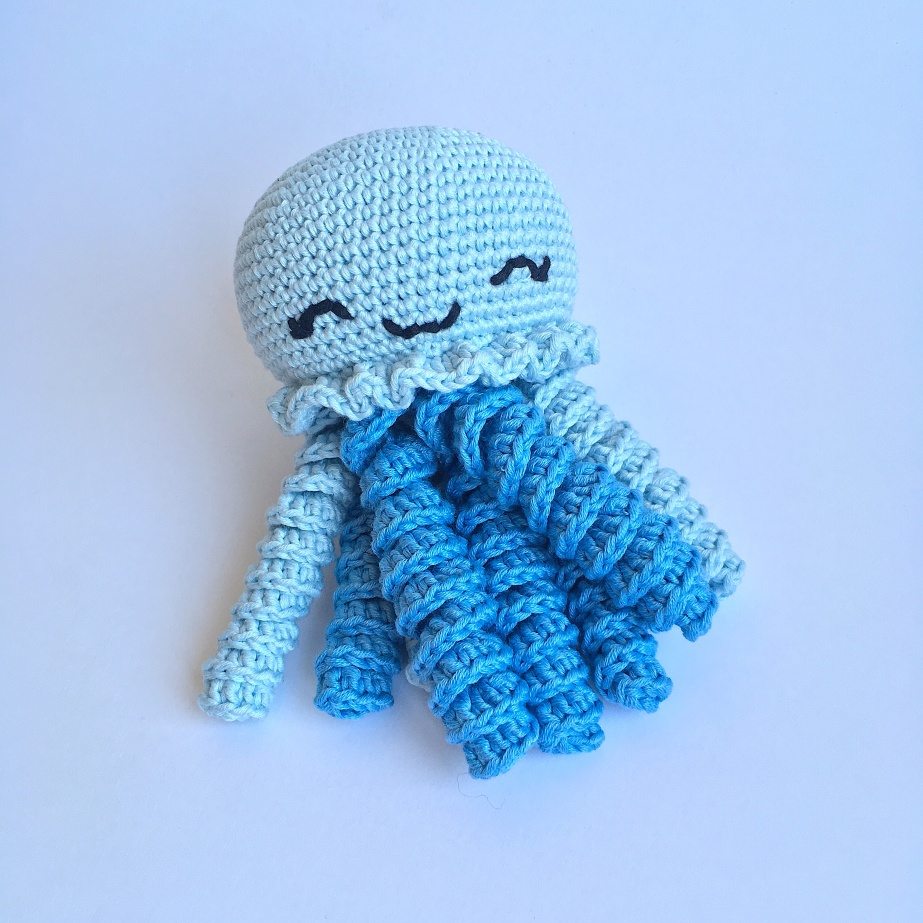 Making of: Blue octopus for preemies